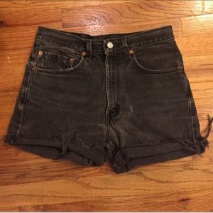 Vintage Levi's W 31 cut off shorts, high waisted!